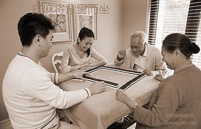 打牌还要注重风水学,想盈利一定要那样坐